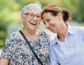 Seniore et soignante