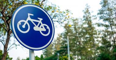 panneau autorisant les cyclistes à circuler à vélo
