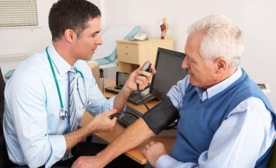 Médecin et sénior